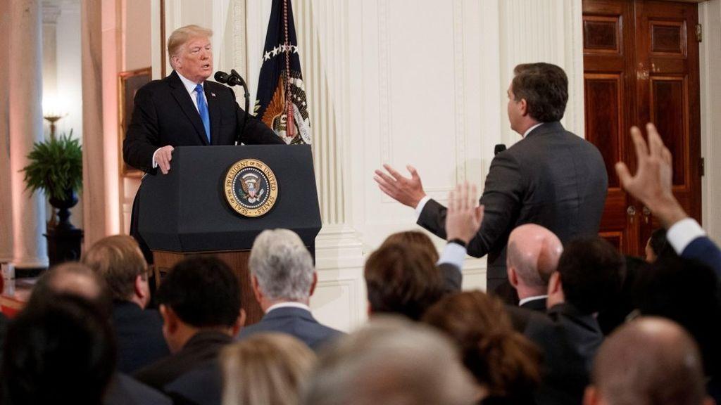 La Casa Blanca, obligada a readmitir al periodista vetado de la CNN