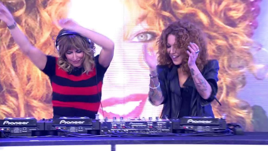 Dj Emma a los platos: la presentadora pone a bailar al público de 'Viva la vida'