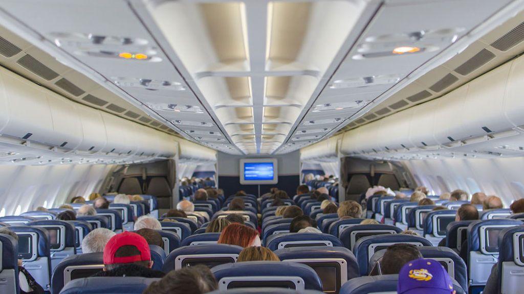 avion-interior-pasajeros