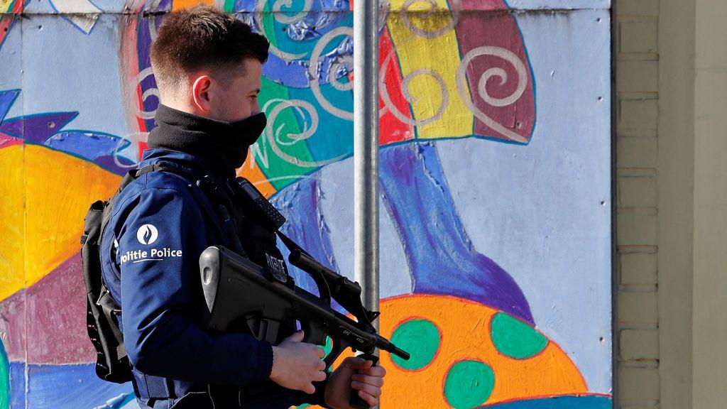 Apuñalan a un policía en el centro de Bruselas