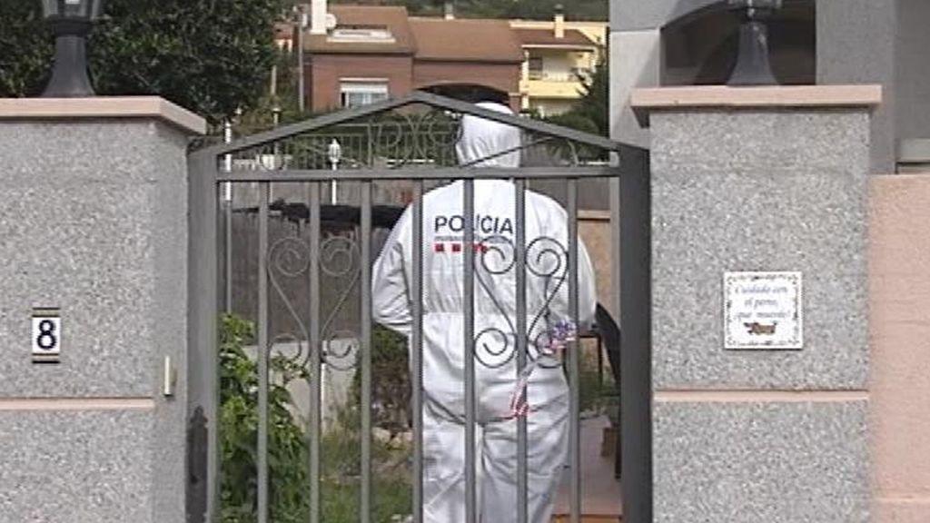 Investigan la muerte de una mujer en su casa de El Vendrell
