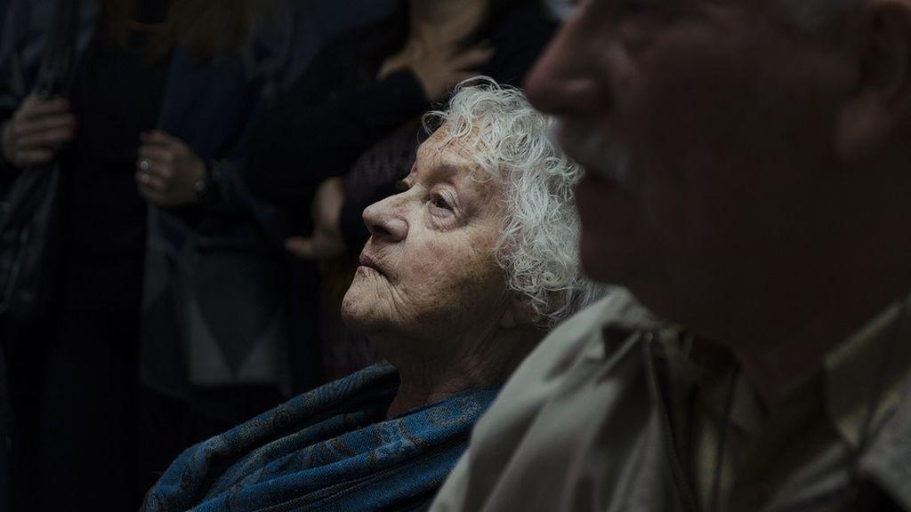 Maridos, hijos, cuidadores… la violencia que no cesa para las mujeres mayores