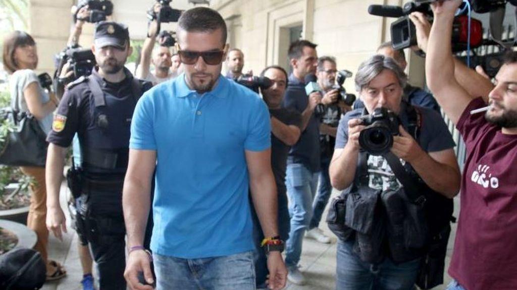 Boza, de La Manada, condenado por delito leve de hurto de unas gafas de sol