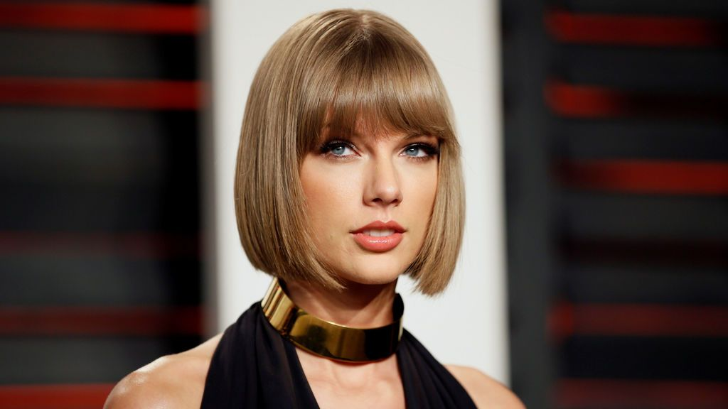 Taylor Swift se ocultaba en maletas para evitar a los paparazzis, según Zayn Malik