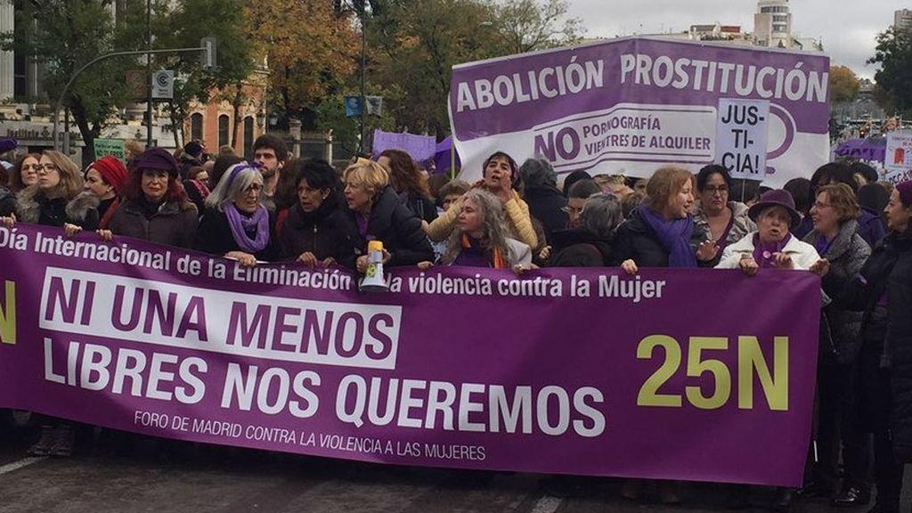 """Manifestaciones del 25N: """"Mi vientre no se alquila, mi cuerpo no se vende"""""""