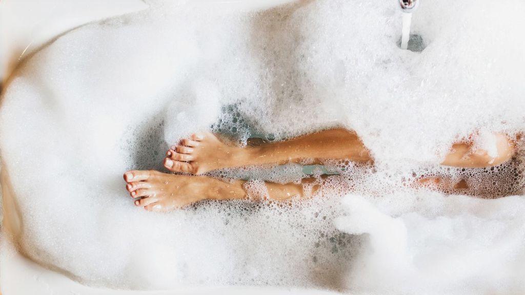 Relajar, facilitar la depilación… los múltiples beneficios de una ducha templada