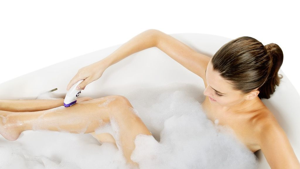 painless-epilation-under-warm-water