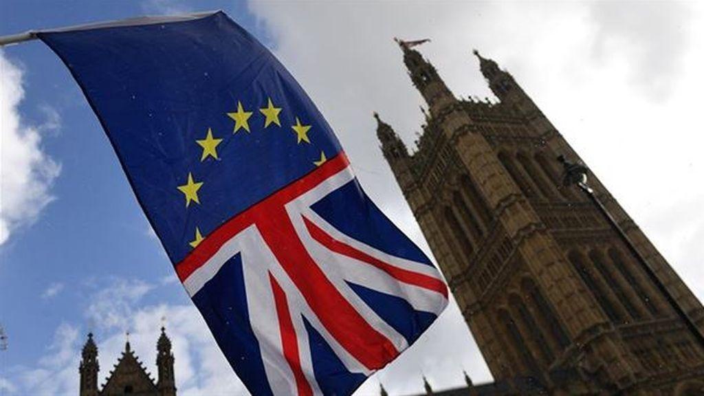 El acuerdo del 'Brexit' supondrá un impacto negativo de 1090 libras anuales para los británicos