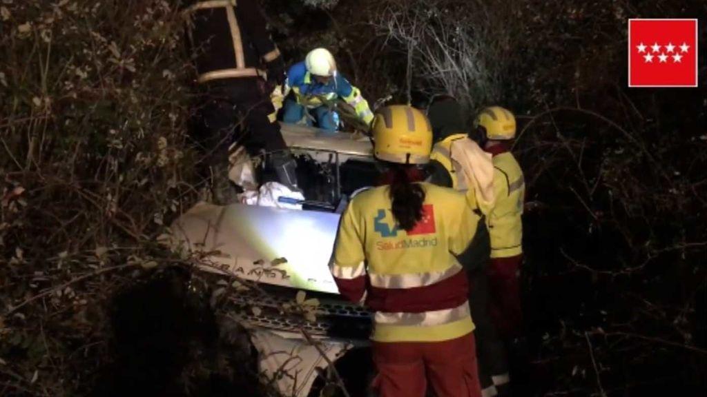 Un joven muere al salir despedido de su coche en un accidente en Madrid