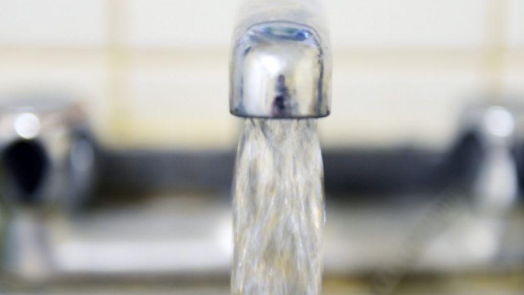 El agua más cara de España se paga en Cataluña y donde más se bebe es en Valencia
