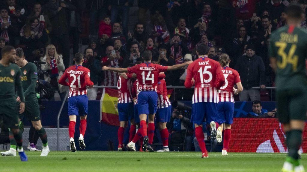 El Atlético de Madrid cumple (2-0) contra el Mónaco y aprieta al Dortmund en la lucha por el primer puesto