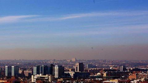 Por qué este año no hay tanta  boina  en Madrid y el pasado sí 264c4803934