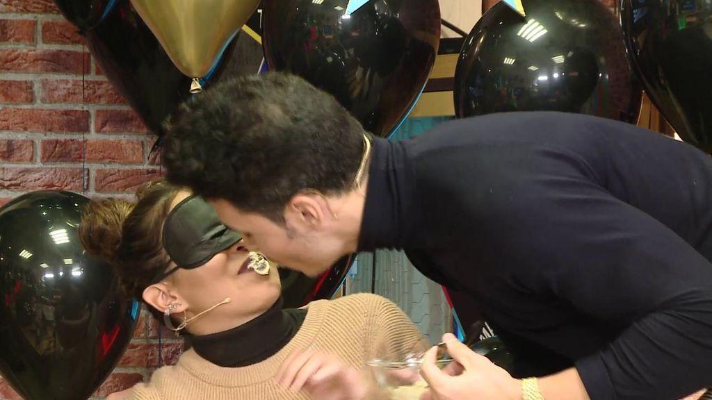 Gloria y Kiko se atreven con el kiss challenge más asqueroso