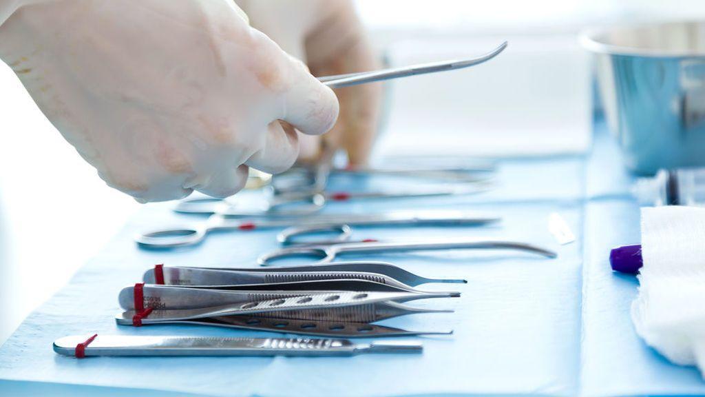 Negligencia médica: entra en el hospital para operarse de las amígdalas y sale con VIH