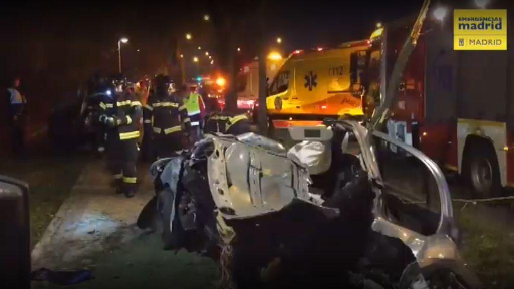 Fallece un joven de 27 años al estrellar su coche contra un árbol en Villaverde, Madrid