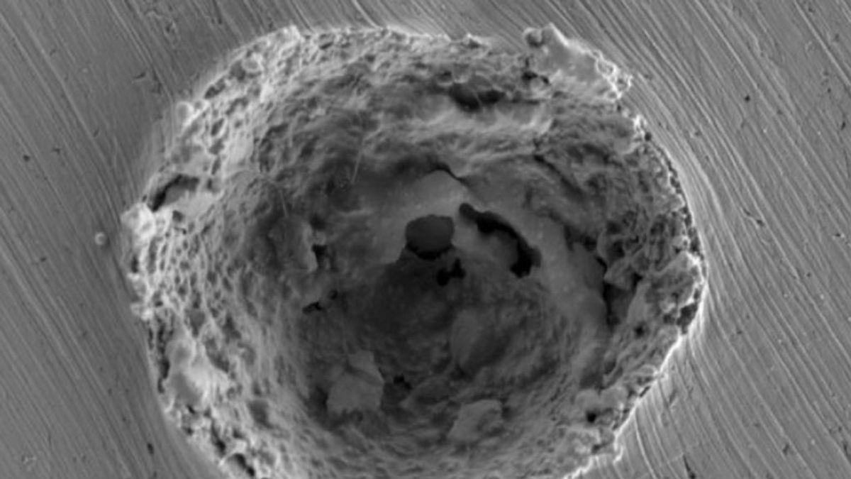 El MIT descubre los efectos de las micropartículas veloces en turbinas, naves espaciales y los oleoductos