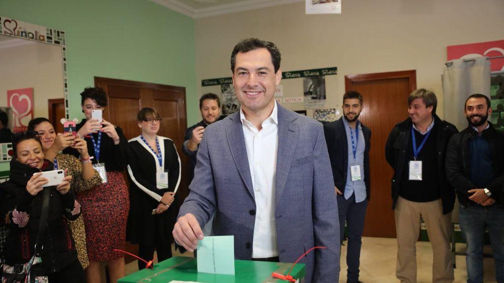 """Juanma Moreno (PP-A) pide a los andaluces que salgan a votar """"masivamente"""" y ejerzan su derecho con """"responsabilidad"""""""