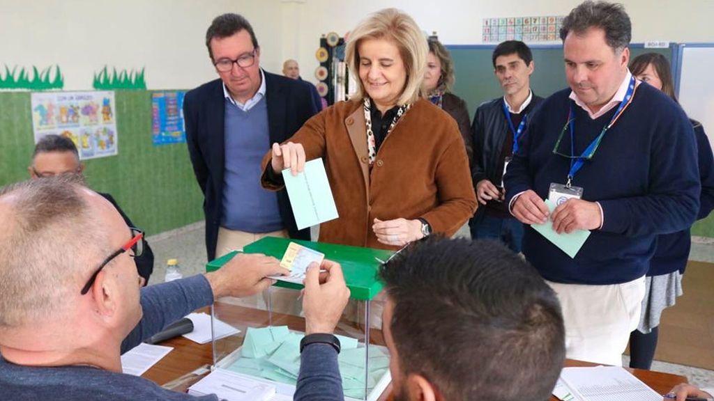 Fátima Báñez ha ejercido su derecho al voto también