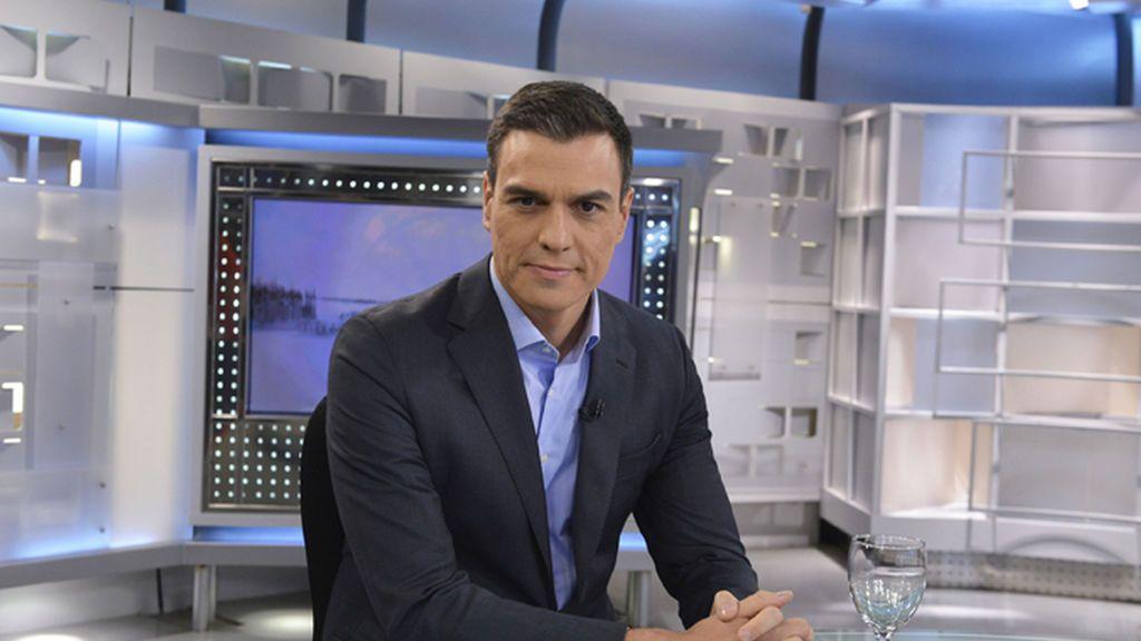 Pedro Piqueras entrevista a Sánchez tras la debacle socialista en Andalucía