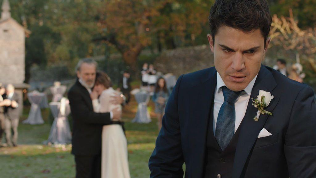 Un tiroteo pone el broche y final a la boda  Nina y Mario