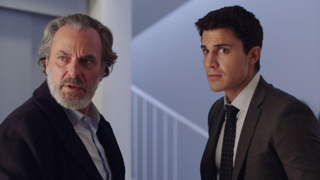 Jose Coronado y Álex González en 'Vivir sin permiso'.