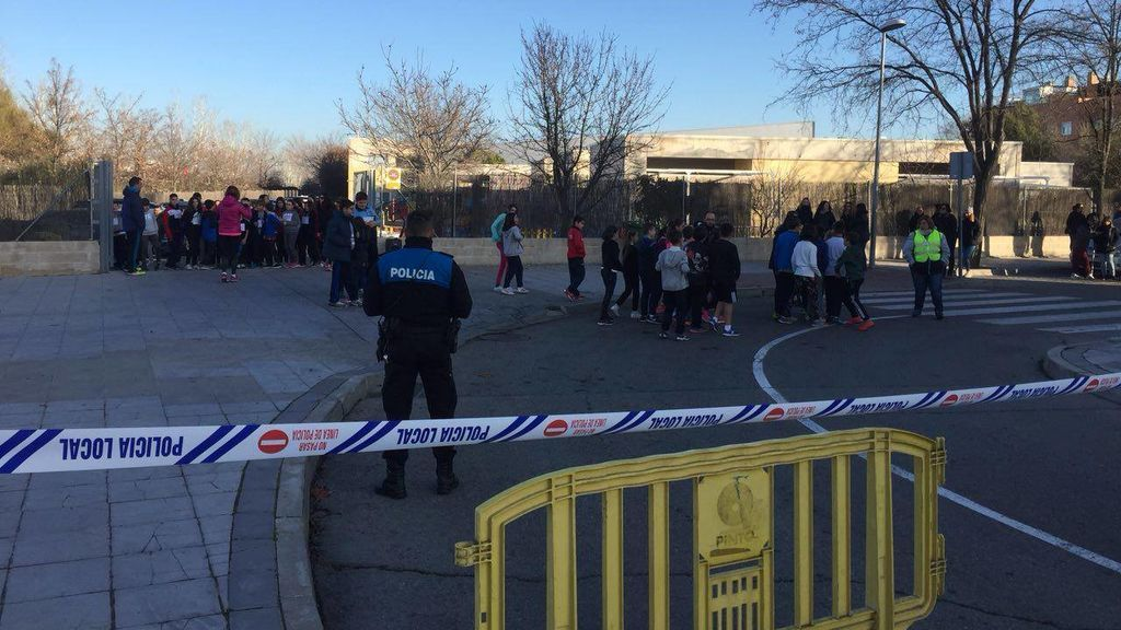 Agentes tutores, policías de paisano: las 'armas' para blindar los colegios