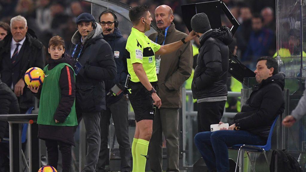 La UEFA da el visto bueno y adelanta el VAR en la Champions desde estos octavos de final