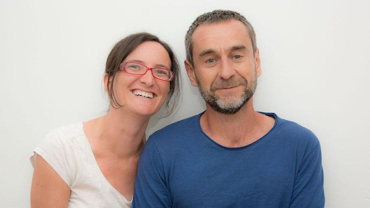 Fer y Patricia, dos marcianos en el supermercado por vivir sin plásticos