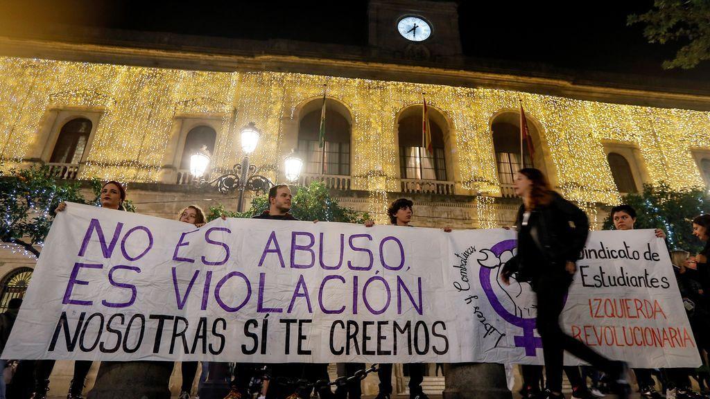"""""""La manada es el sistema"""": manifestaciones protestas tras la condena a 'La Manada'"""