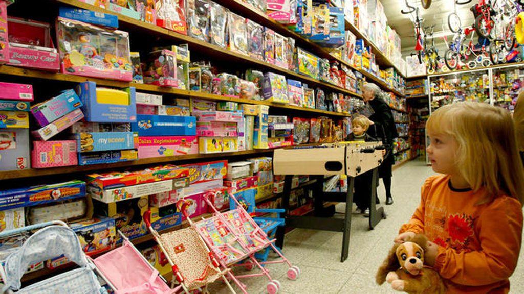 Los niños abandonan los juguetes: sólo sobreviven los bebés que parecen reales