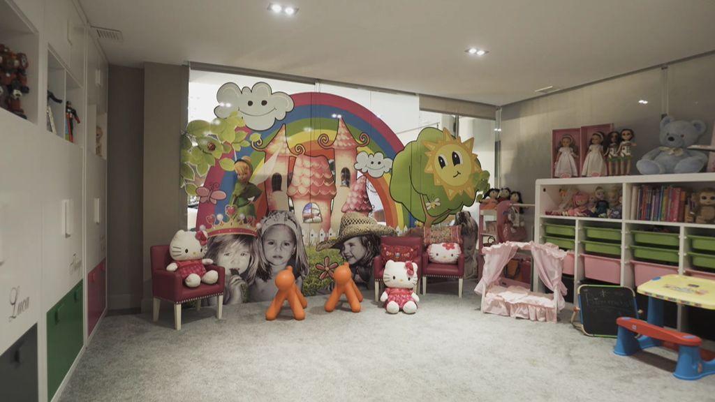 Con gimnasio, sala de juegos y cargada de recuerdos: la casa cordobesa de Pepe Reina