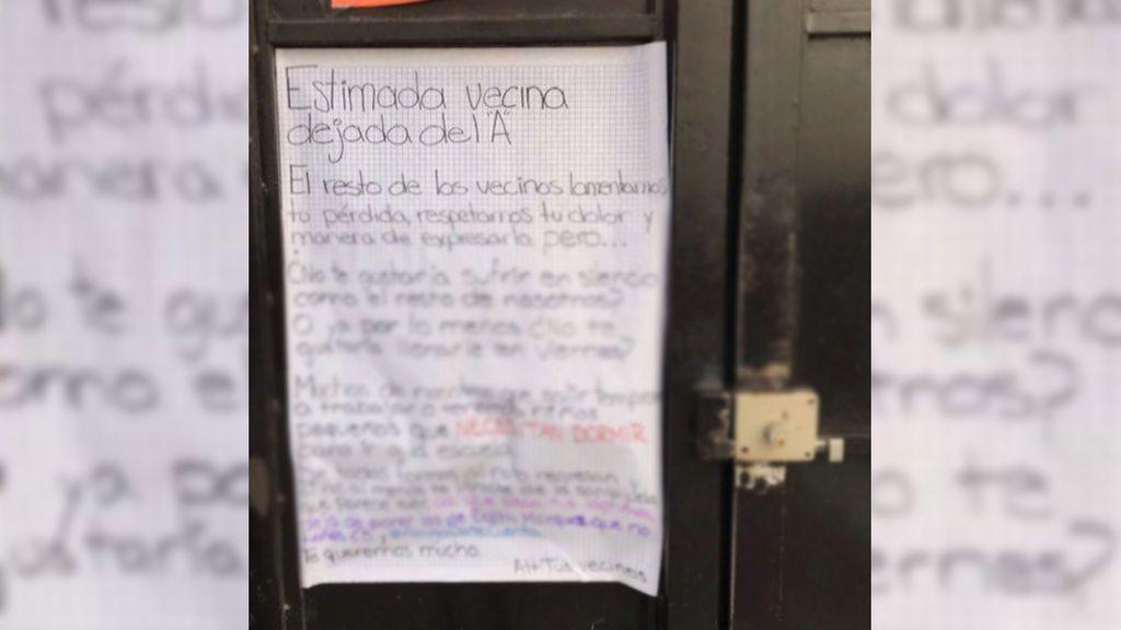 """La nota viral a una vecina tras romper con su novio: """"¿No te gustaría sufrir en silencio como el resto de nosotros?"""""""