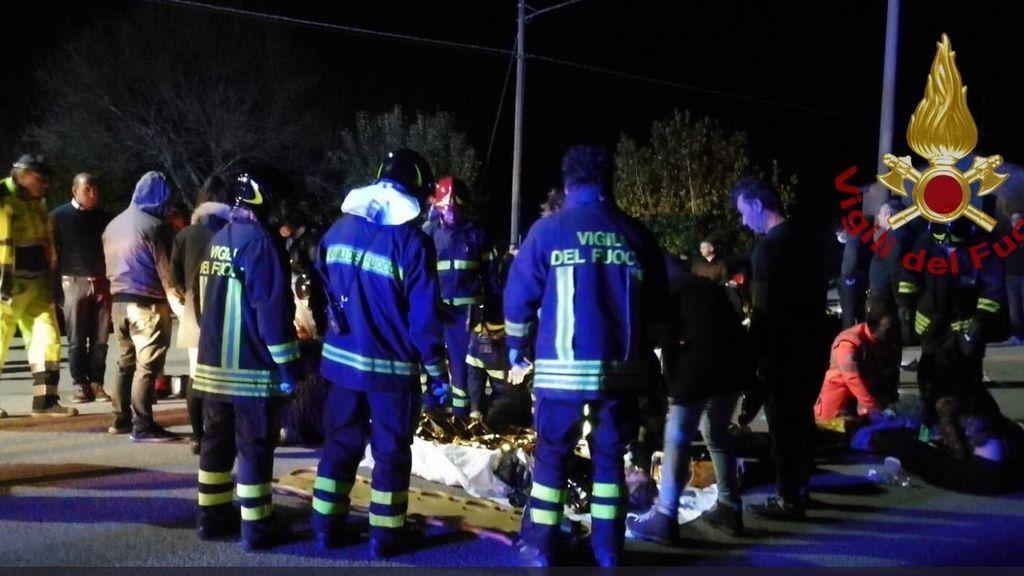 Una estampida en una discoteca en Italia provoca seis muertos y más de 100 heridos