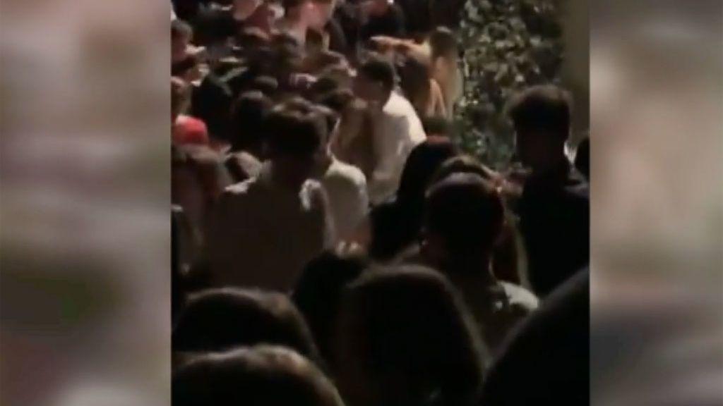 Así fue la estampida a la salida de una discoteca que le ha costado la vida a 6 personas en Italia