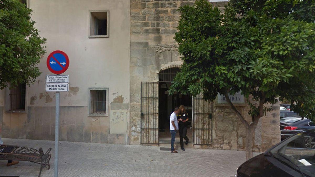 Insólita sentencia: sin ver a su hija por incumplir el régimen de visitas y no abonar la pensión de alimentos