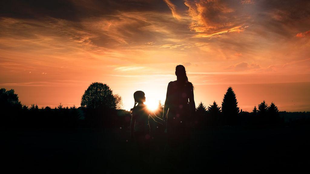 Separan a una niña de su madre por la situación de abandono en la que se encontraba la pequeña