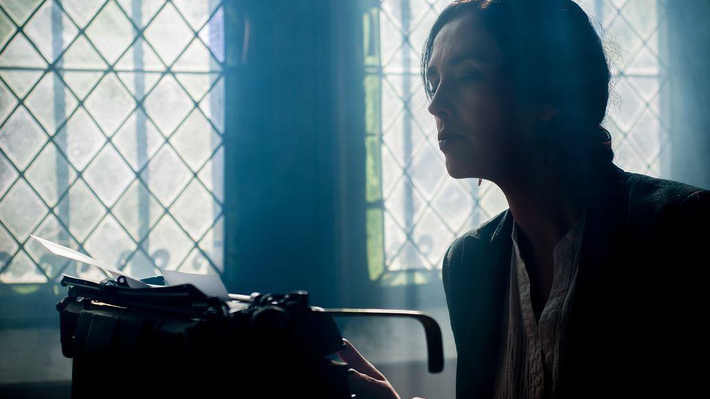 Anne Perry: de asesina adolescente a novelista de éxito