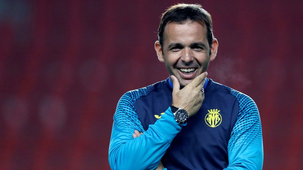 El Villarreal destituye a Javi Calleja tras dejar al equipo al borde del descenso
