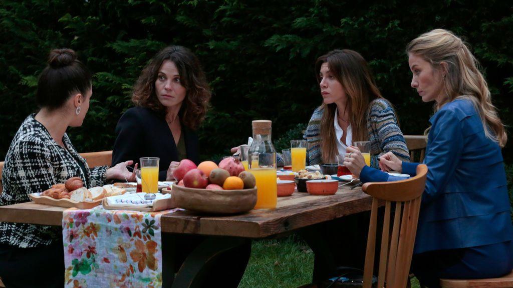 Las cuatro amigas protagonistas de 'Stiletto vendetta'.