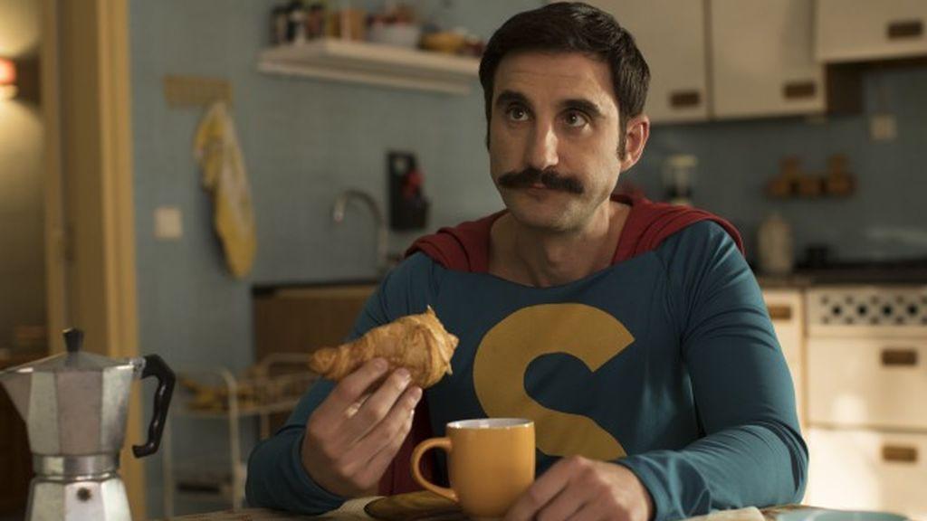 Dani Rovira, como Superlópez.