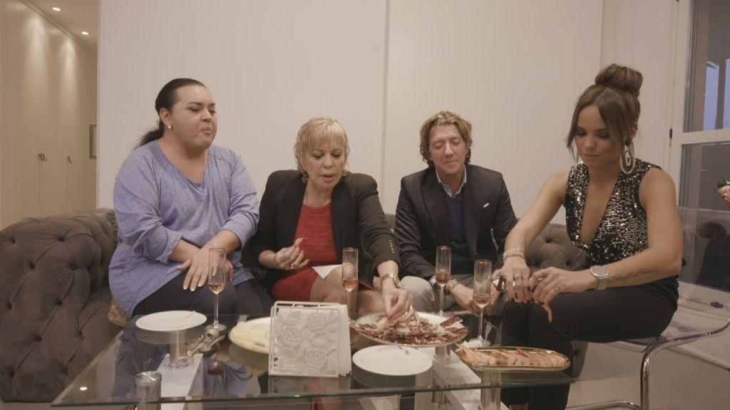 Falete, Bárbara Rey, Colate y Gloria Camila en 'Ven a cenar conmigo, gourmet edition'.