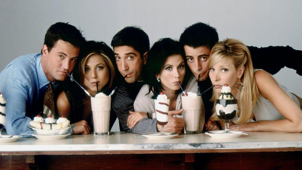 Chandler (Matthew Perry), Rachel (Jennifer Aniston), Ross (David Schwimmer), Monica (Courteney Cox), Joey (Matt LeBlanc) y Phoebe (Lisa Kudrow), protagonistas de 'Friends'.