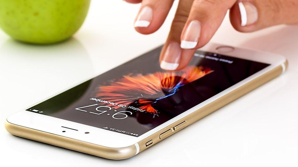 Autoridades judiciales chinas prohíben a Apple la venta de varios de sus dispositivos iPhone en el país