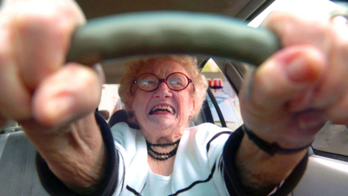 No, los mayores no tienen más accidentes de tráfico, aunque tú lo pienses