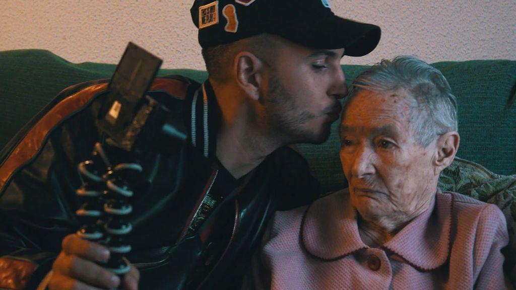 Vivimos con Omar un duro momento: su bisabuela está muy enferma (2/2)