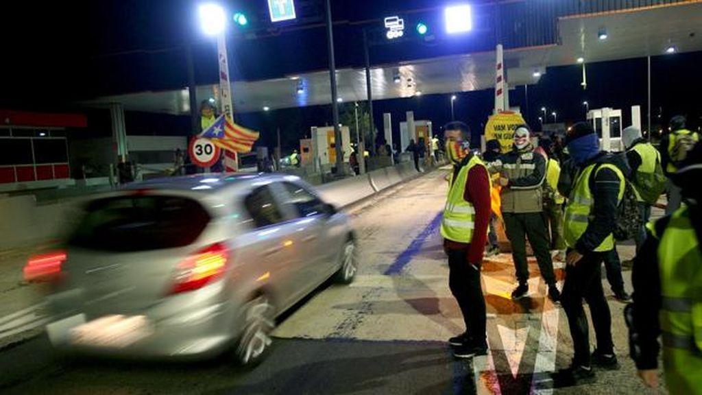 La Fiscalía investiga a los Mossos al no impedir los cortes en autopistas de los CDR