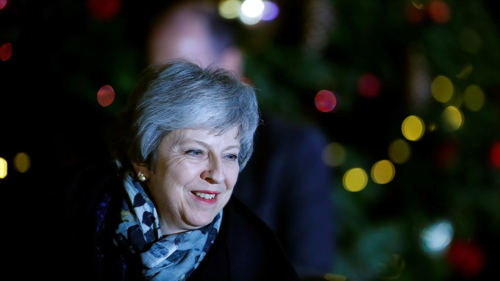 Theresa May gana la moción de confianza de los diputados conservadores por 200 votos a favor y 117 en contra