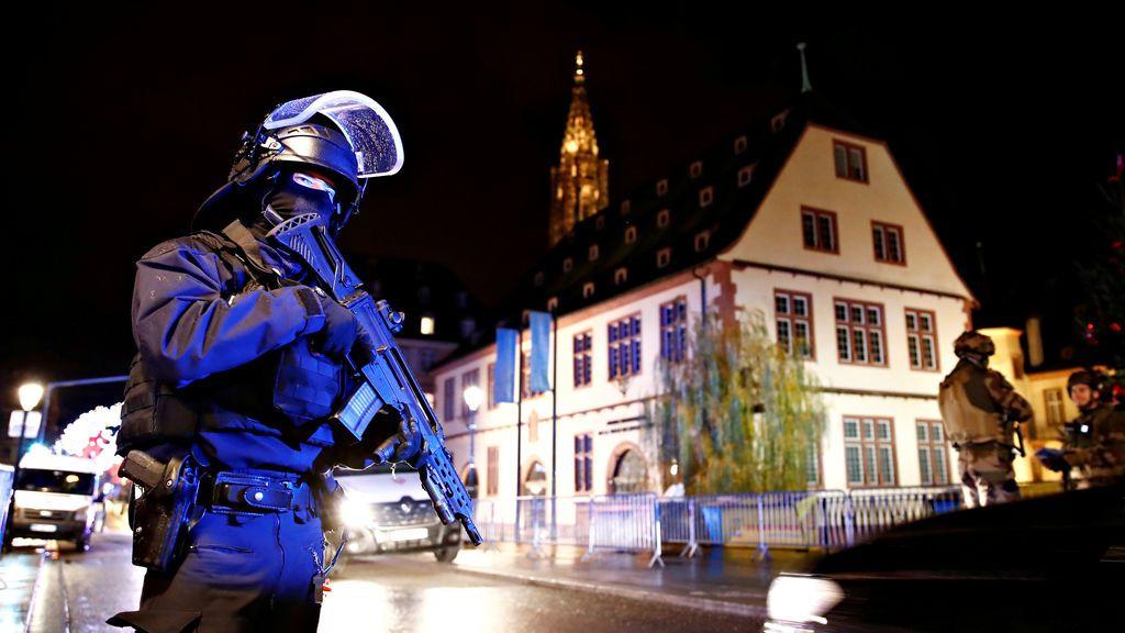 Búsqueda contra reloj del autor del tiroteo de Estrasburgo