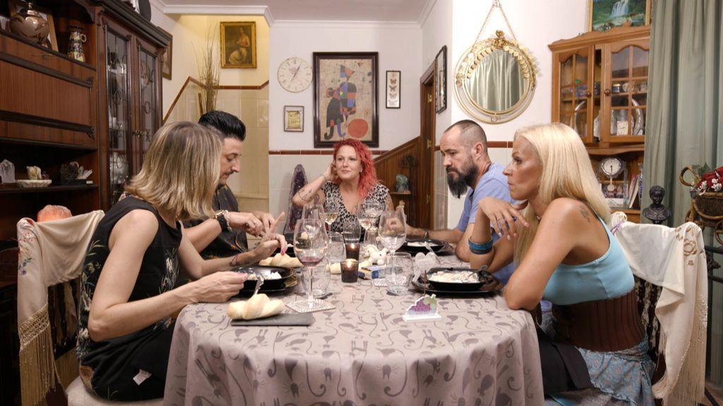 """""""Espectáculo bochornoso"""": Carmen se enzarza con Clara y protagoniza un agrio momento durante su cena"""