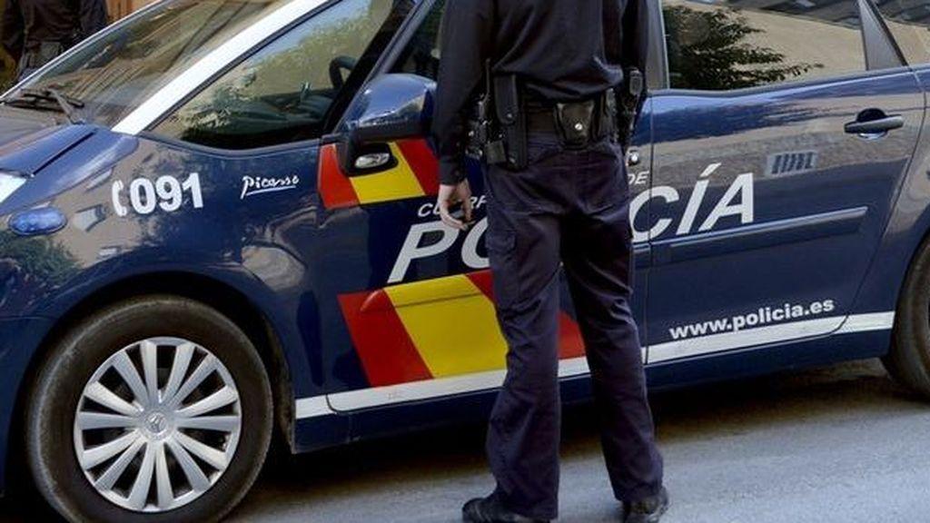 Detenida una pareja en Huelva por tirar a su perro por la ventana